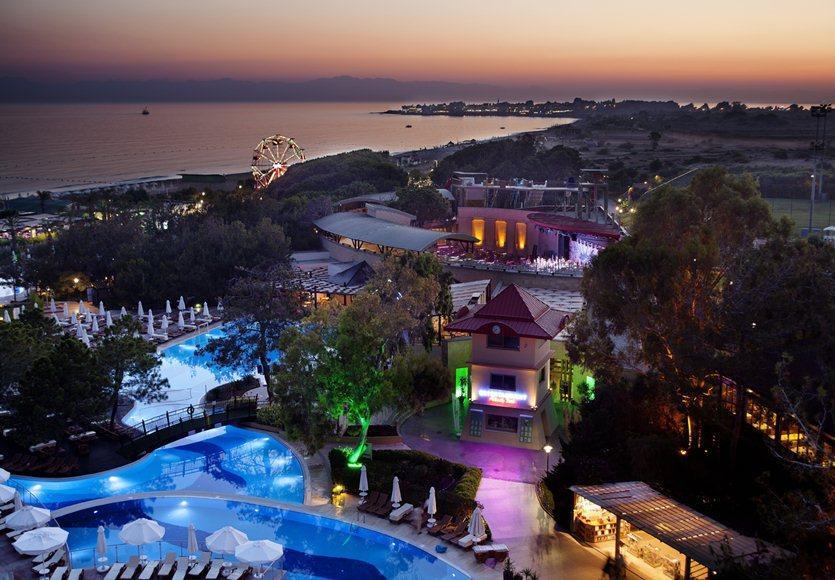 Sueno Hotel Side